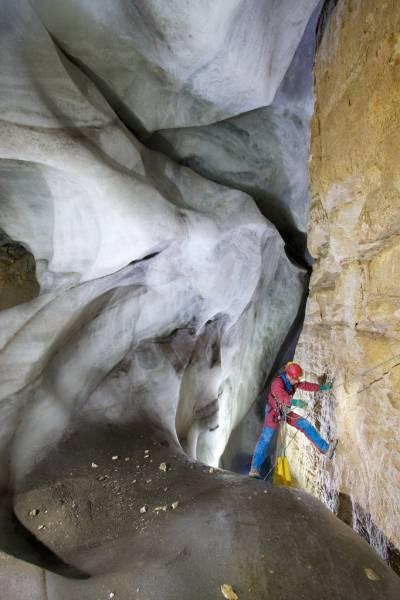 Lingua terminale del ghiacciaio prima del P105, Dobra P, Canin