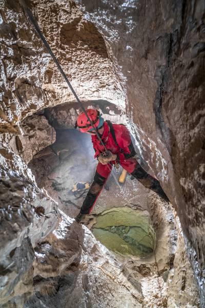 Grotta del Partigiano - meandro attivo